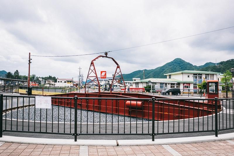 locomotive turntable at Kinugawa Onsen station - Nikko Travel Guide : Kinugawa Onsen | www.justonecookbook.com