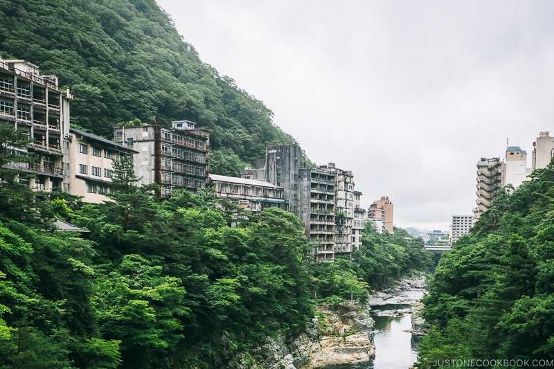 buildings with broken windows at Kinugawa Onsen - Nikko Travel Guide : Kinugawa Onsen | www.justonecookbook.com