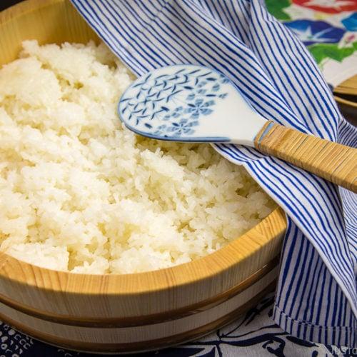 Sushi rice in hangiri.