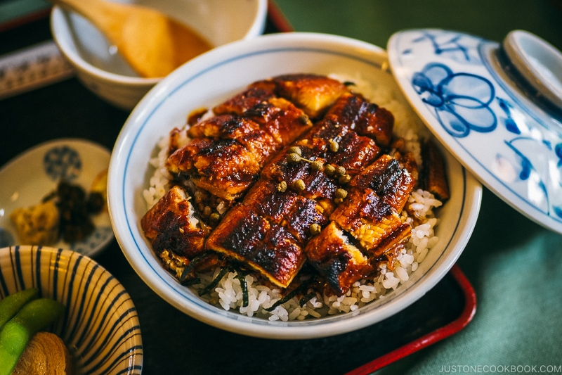 unagi donburi at kamiyama restaurant - Things to do around Lake Chuzenji | www.justonecookbook.com
