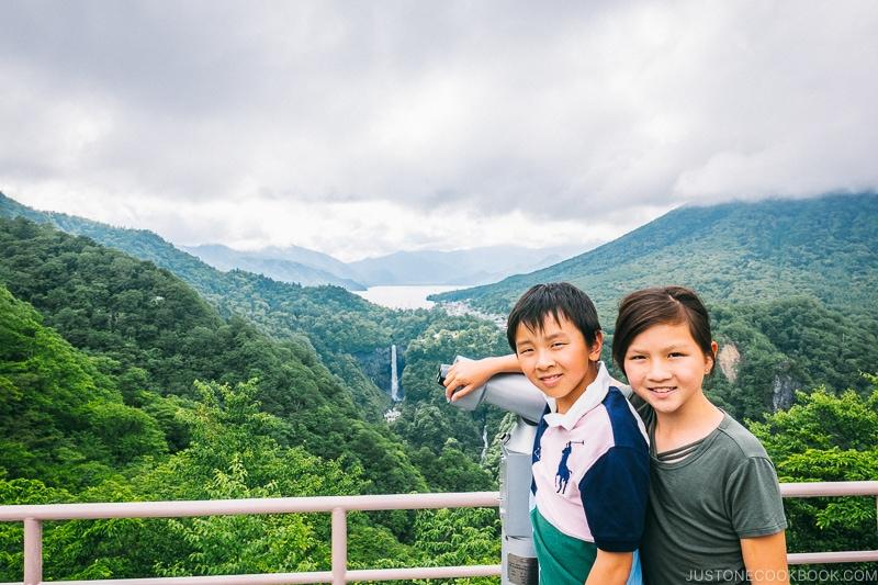 2 children at Akechidaira Plateau - Kegon Falls and Akechidaira Plateau | www.justonecookbook.com