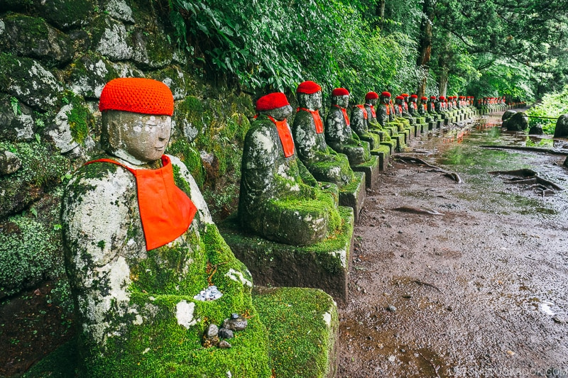 Jizo statues at Kanmangafuchi Abyss 憾満ヶ淵- Places to Visit and Things to do in Nikko | www.justonecookbook.com