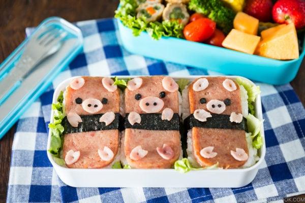 Piggy spam musubi in the two tier bento box.