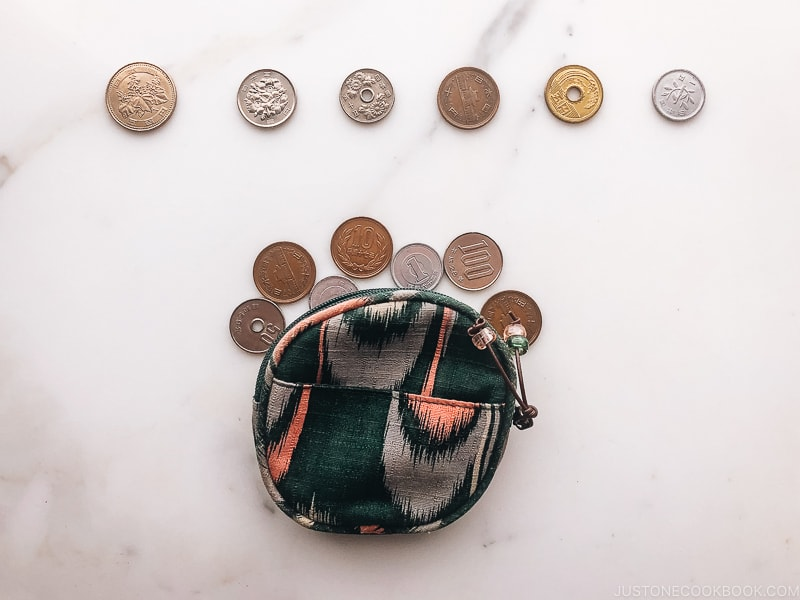 coin pouch with Japanese coins - Insiders' Guide for For First Time Visitors to Japan   www.justonecookbook.com