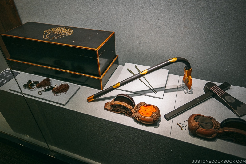 Artifacts on display in Odawara Castle - Odawara Castle Guide | www.justonecookbook.com