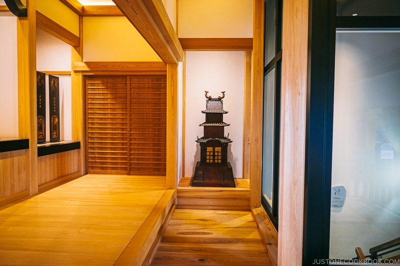 Castle Tower Shaped Shrine on the 5th floor - Odawara Castle Guide | www.justonecookbook.com