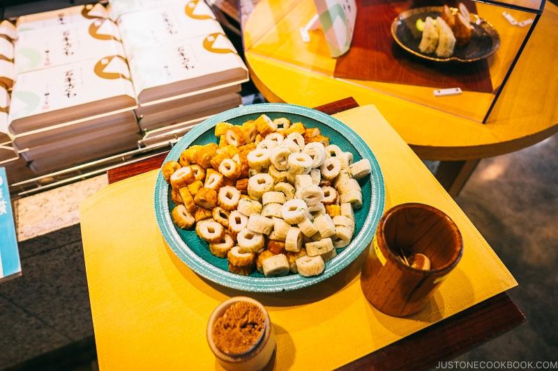 food samples inside Suzunari Market - Make Fish Cakes at Suzuhiro Kamaboko Museum | www.justonecookbook.com