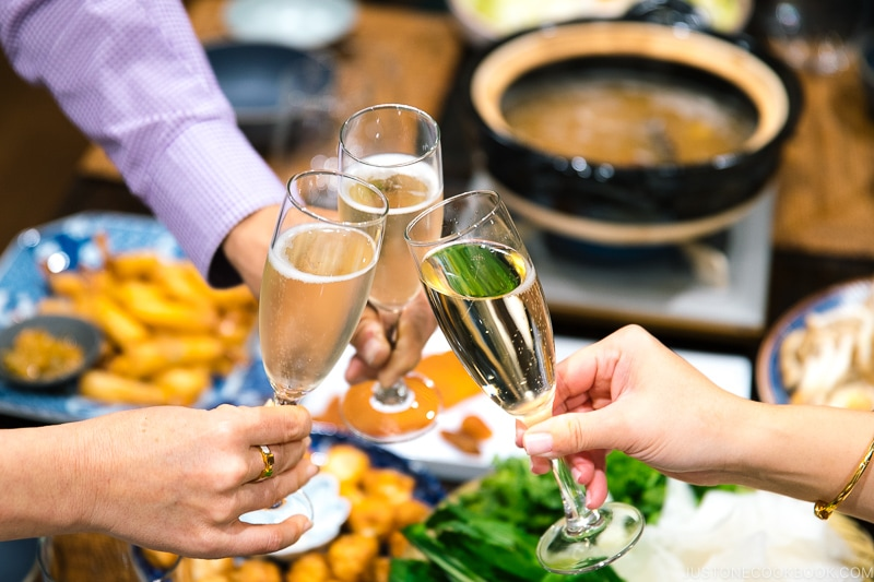 How to Host a Japanese-Themed Party
