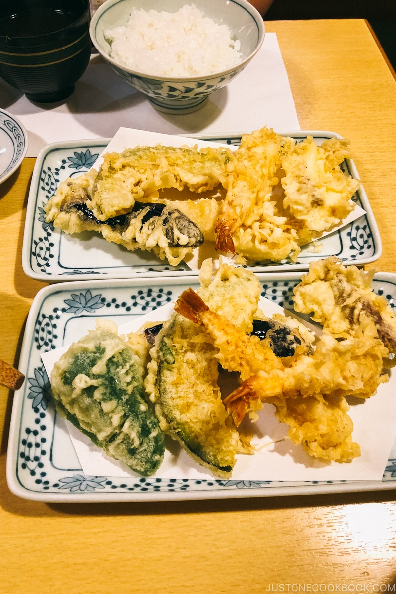 Tempura at Tsunahachi in Shinjuku, Tokyo | Easy Japanese Recipes at JustOneCookbook.com