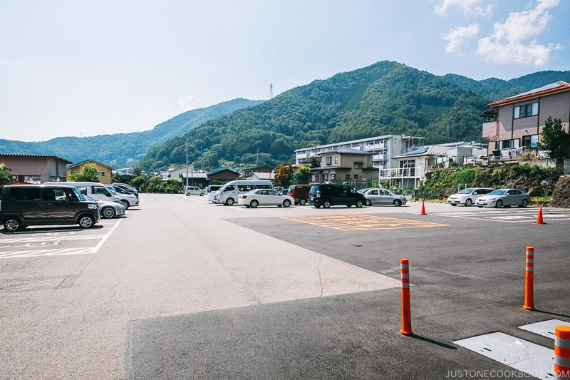 parking lot for Chureito Pagoda - Things to do around Lake Kawaguchi   www.justonecookbook.com