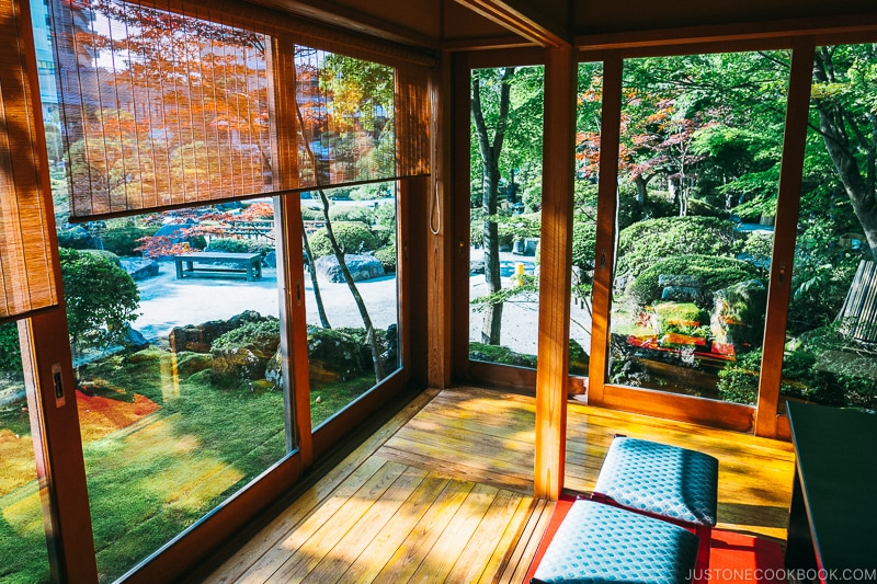 tea house and garden at Hotel Kaneyamaen - Things to do around Lake Kawaguchi   www.justonecookbook.com