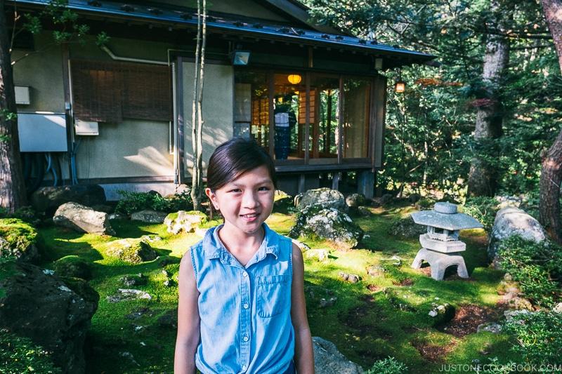 girl in front of tea house at Hotel Kaneyamaen - Things to do around Lake Kawaguchi   www.justonecookbook.com