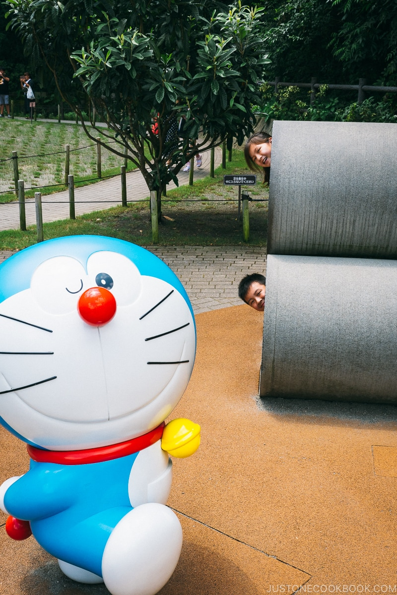 Outdoor playground with statue of Doraemon - Fujiko F Fujio Museum | www.justonecookbook.com