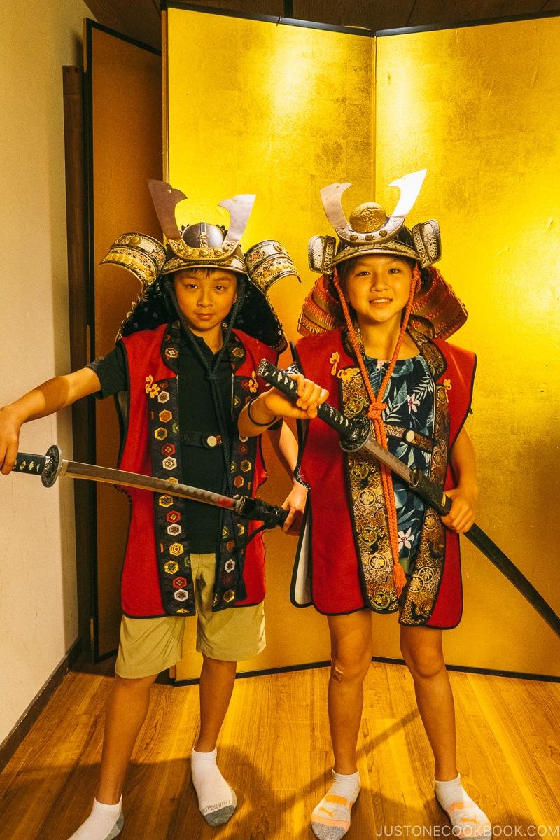 kids in samurai outfit - Samurai Museum Tokyo | www.justonecookbook.com