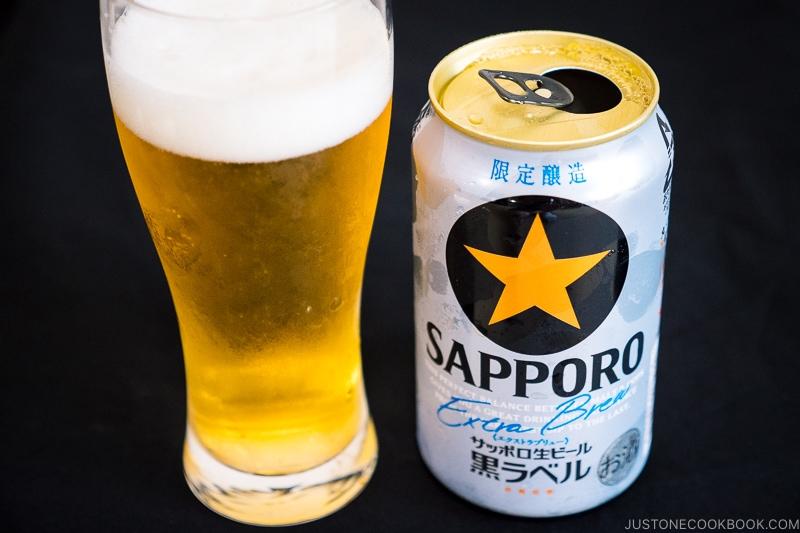Sapporo Extra Brew Black Label - Japanese Beer Guide (Big Beer + Craft Beer) | www.justonecookbook.com