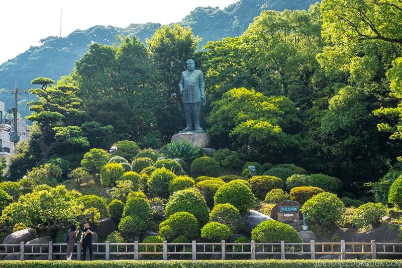 giant statue of Saigo Takamori