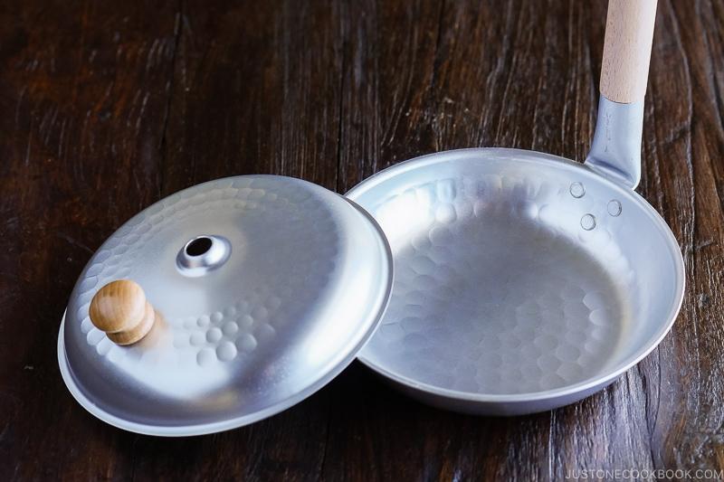 Oyakodon Pan | Easy Japanese Recipes at JustOneCookbook.com