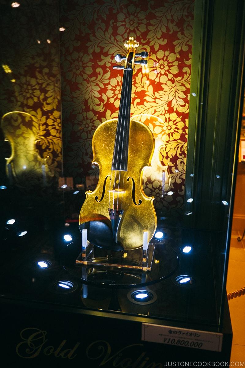 gold violin valued at 100k