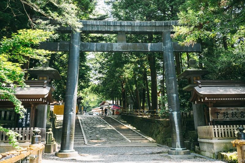 torii gate at Suwa Taisha Shimosha Akimiya