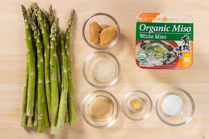 Asparagus with Miso Dressing (Karashi Sumisoae) Ingredients