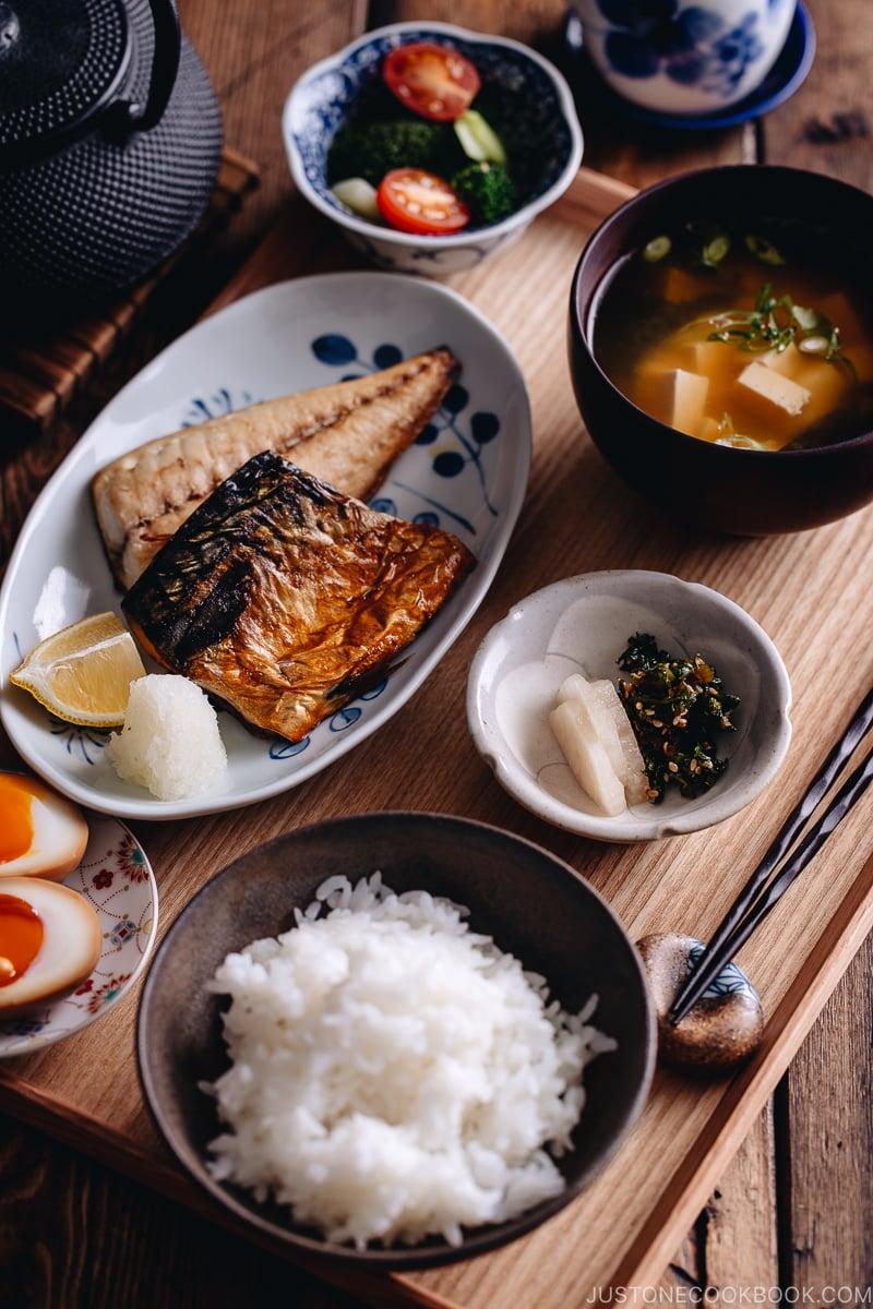 ichijusansai one soup three dishes