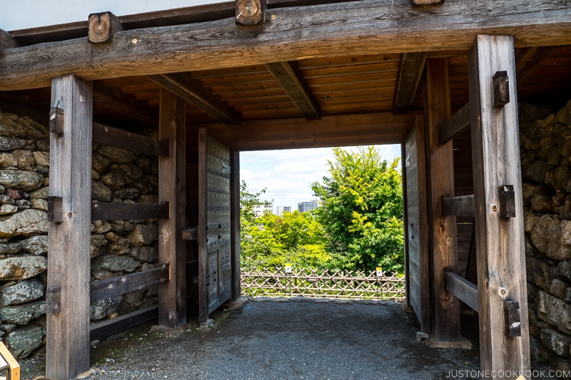 entrance gate to Hamamatsu Castle with wood pillars