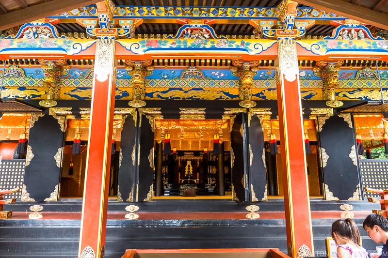 looking inside Shade at Kunozan Toshogu Shrine