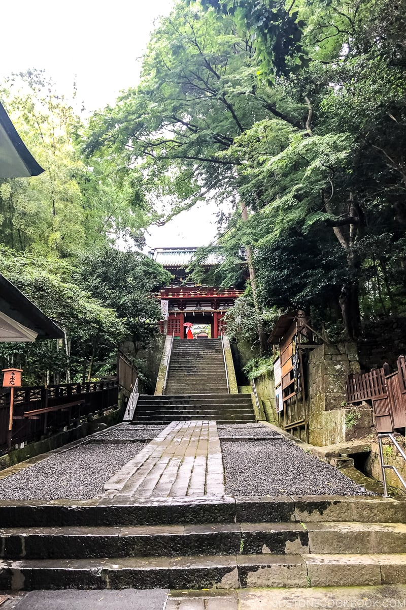 walkway to Rouman (two story gate)