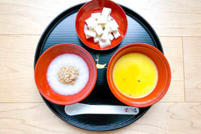 A tray with 3 bowls of Japanese baby food for age 7-8 months